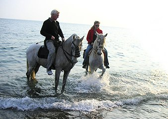 Beach ride with Herradura Riding Centre